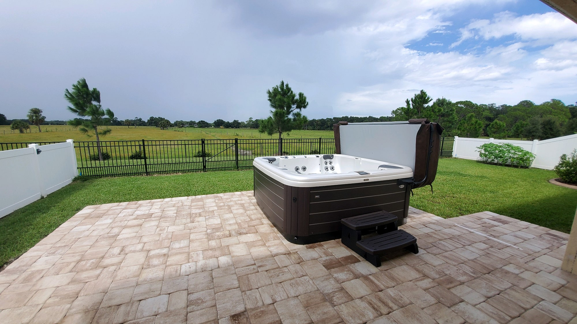 Hot Tub Install Backyard Patio in Sarasota