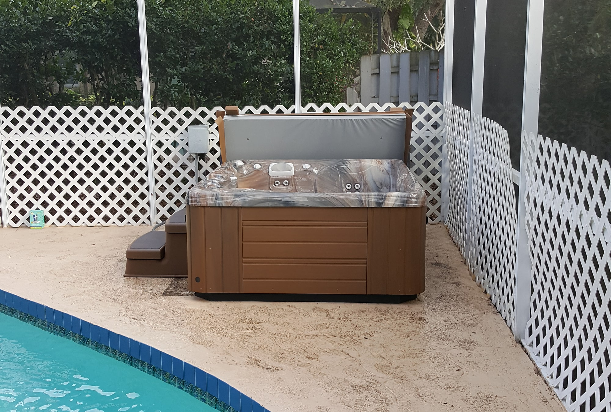 Hot Tub Installation Poolside in Sarasota